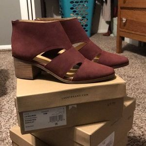 NWT Lucky Brand maroon booties